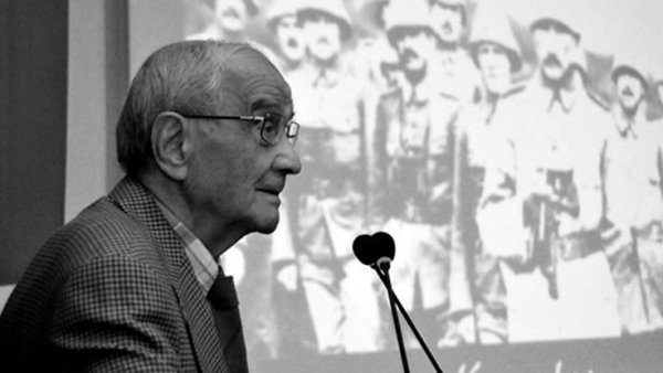 Prof Dr Mümtaz Soysal vefat etti