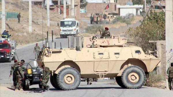 Afganistan da 615 DEAŞ üyesi teslim oldu