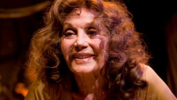 Türk tiyatrosu efsanesini kaybetti