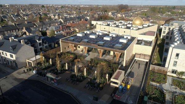Erdoğan ın açacağı Cambridge Camisi Avrupa nın ilk çevre dostu camisi