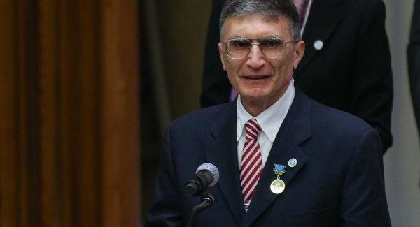Aziz Sancar Şehir Üniversitesi nden istifa etti