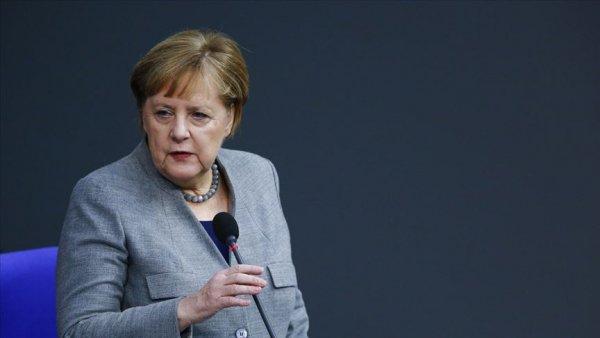 Merkel den Libya Konferansı için davet