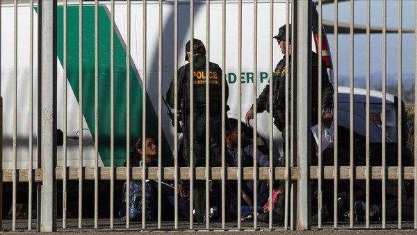ABD ye geçmek isteyen 29 bin göçmen Meksika da gözaltına alındı