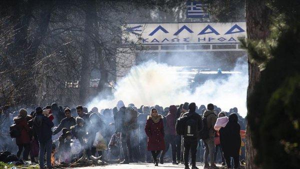 Yunan polisi göçmenlere biber gazı ve ses bombasıyla müdahale etti