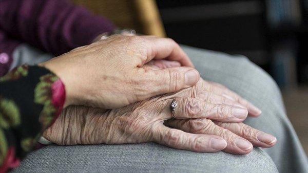 65 yaş üstü vatandaşlara koronavirüse karşı 19 ALTIN öneri