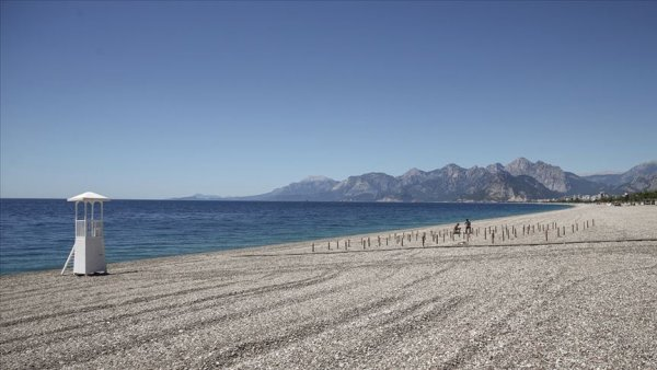 Dünyaca ünlü plajda deniz keyfi sosyal mesafeli olacak