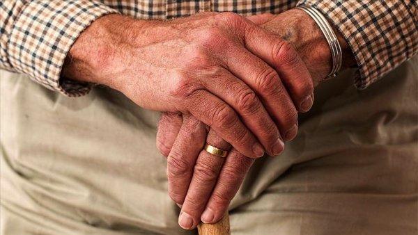 Dünyada 60 yaş üstü her 6 kişiden biri istismardan muzdarip