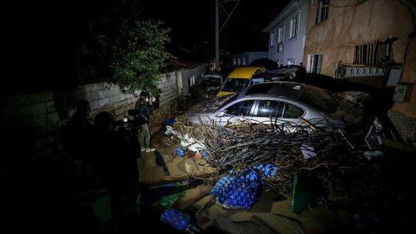Bursa da 2 kişi sel nedeniyle hayatını kaybetti