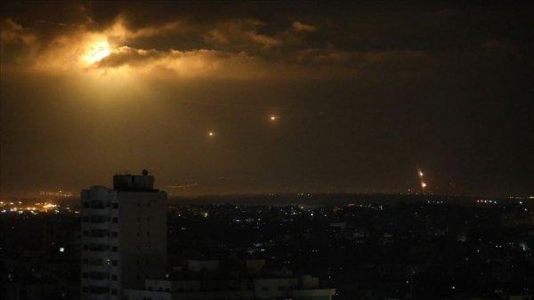 Beyaz Saray da imzalar atılırken Gazze den İsrail e roket atıldı: 2 yaralı