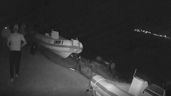Milli sörfçü Kubat ın tekne motorunun çalınması kamerada