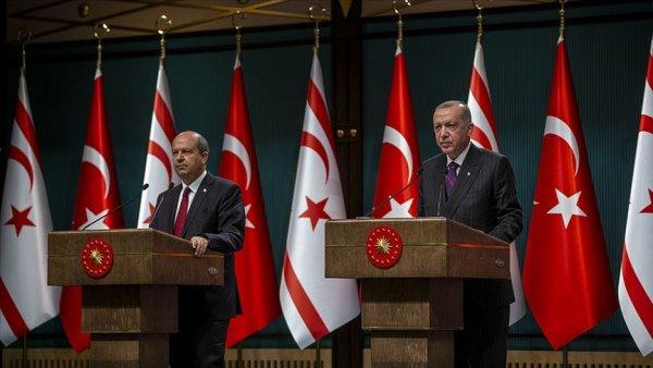 Erdoğan dan KKTC Cumhurbaşkanı seçilen Ersin Tatar a tebrik