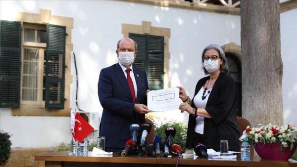 KKTC de yeni Cumhurbaşkanı Ersin Tatar mazbatasını aldı