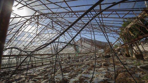 Antalya da fırtınanın neden olduğu hasarın yaraları sarılmaya çalışılıyor