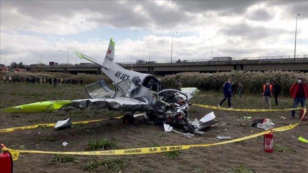 İstanbul da eğitim uçağı düştü