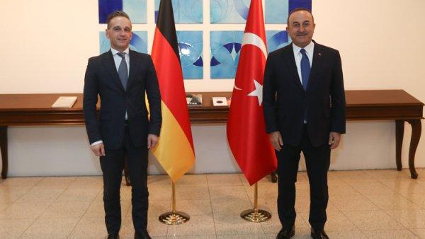 Bakan Çavuşoğlu ndan Yunanistan ve AB açıklaması