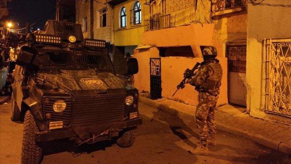 İstanbul merkezli 6 ilde uyuşturucu satıcılarına operasyon
