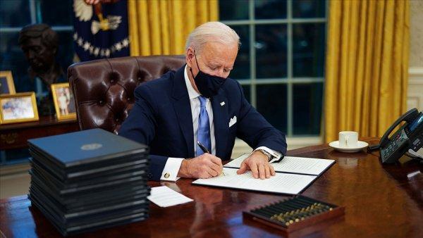 ABD Başkanı Biden ilk kararnamelerini imzaladı