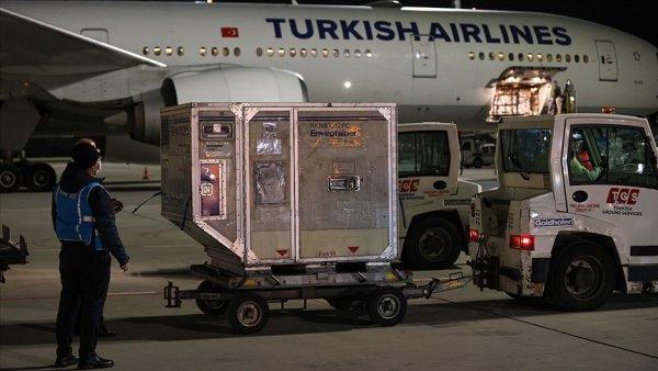 Çin den Kovid 19 aşılarının ikinci partisini taşıyan uçak Türkiye ye geldi
