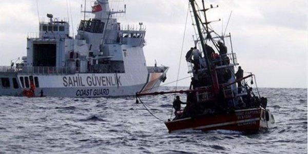 Mersin de balıkçı teknesi alabora oldu: 2 kişi hayatını kaybetti