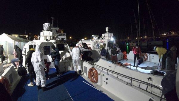 İzmir de 23 sığınmacı kurtarıldı