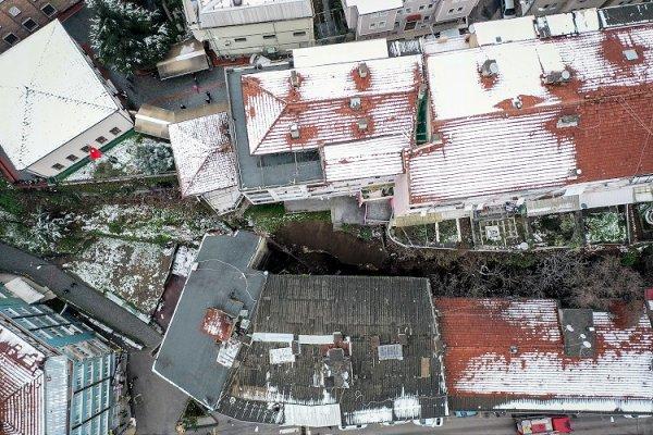 Bursa da meydana gelen heyelan nedeniyle 7 bina boşaltıldı