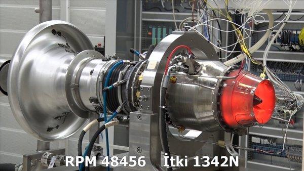 Türkiye nin ilk orta menzilli füze motoru TEI TJ300 dünya rekoru kırdı