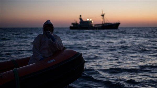 Batan teknede 1 i çocuk 41 düzensiz göçmen hayatını kaybetti