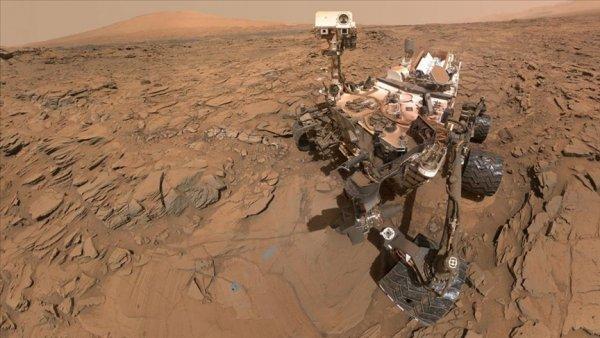 NASA nın Mars a indirdiği mini helikopter Ingenuity ilk fotoğraflarını gönderdi