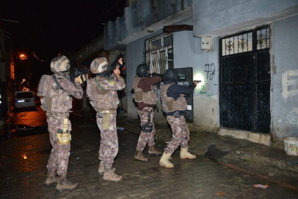 250 polis ile çetelere operasyon