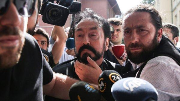 Adnan Oktar ın sağ kolu tacizci ve ajan çıktı