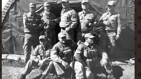 Afrin deki askerlerden Mustafa Kemal Atatürk pozu