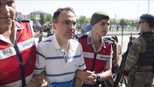 Akıncı dan kalkan uçakların Meclisi bombaladığını inkar etti