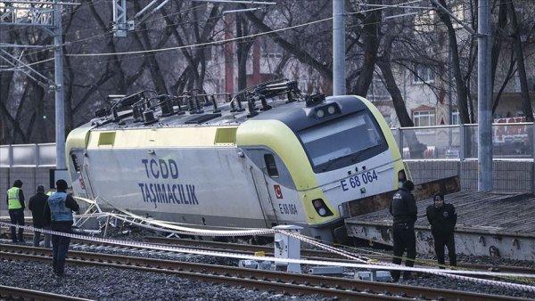 Akaryakıt yüklü tren raydan çıktı