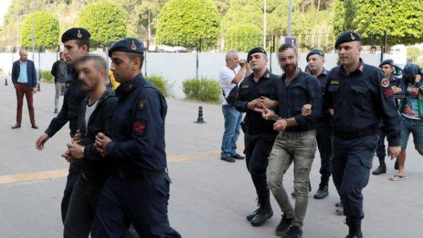 Antalya da silahlı uyuşturucu kavgası