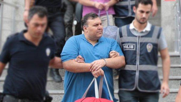 Balyoz davası hakimine 12 yıl hapis cezası verildi