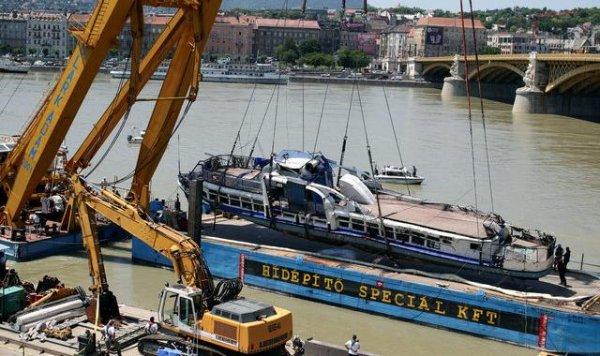 Batan teknenin enkazı kazadan 2 hafta sonra çıkarıldı