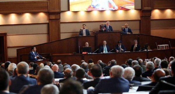 CHP listelerinden İBB Meclis üyesi seçilen 11 üye İYİ Parti ye geçerek