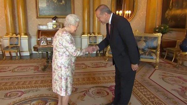 Cumhurbaşkanı Erdoğan ile Kraliçe 2 Elizabeth bir araya geldi