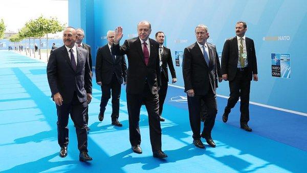 Cumhurbaşkanı Erdoğan NATO Zirvesi nde