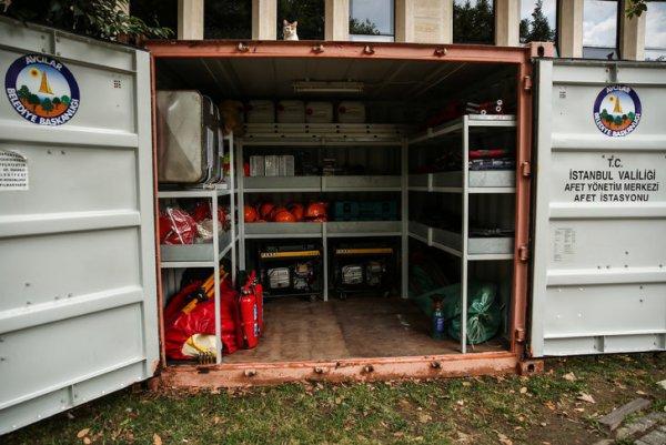 Deprem konteyneri var ancak kullanımını bilen yok