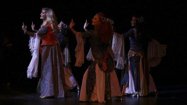 Devlet Tiyatroları 70 inci yılını yıldızlar geçidi ile kutladı