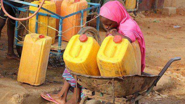 Dünyada 2 milyar insan kirli su içiyor