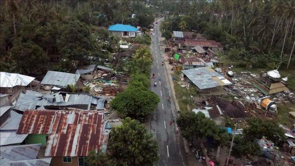 Endonezya daki depremde ölü sayısı artıyor