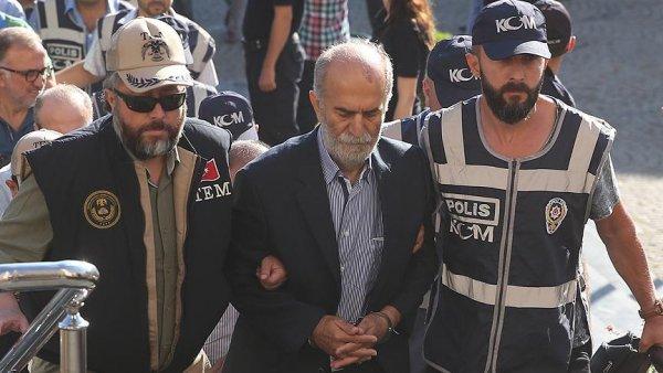 Eski Bursa Valisi Harput a FETÖ den 6 yıl 3 ay hapis