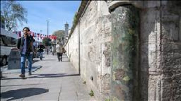 Eski İstanbul un kalbi yeşil sütun