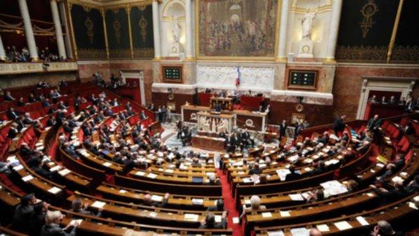 Fransız milletvekili Nadot: Fransa Yemen de öldürüyor