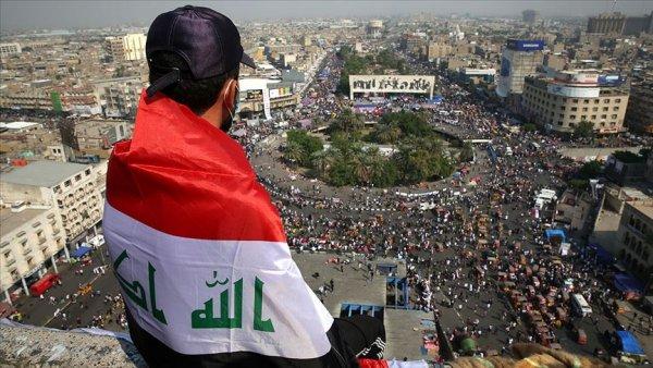 Irak ta göstericiler hükümetin istifasını ve başkanlık sistemi istiyor