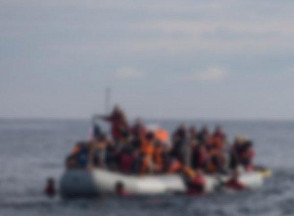İzmir de 34 ü çocuk 106 göçmen yakalandı