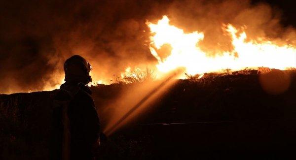 Marmara Adası nda yangın: Havadan müdahale yapılamıyor