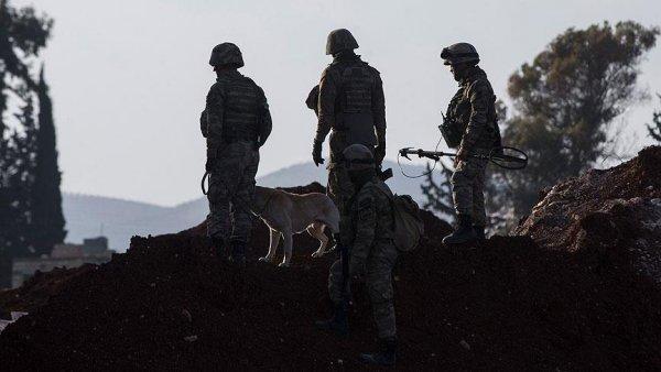 Mehmetçik Afrin de teröristlere ait sığınakları arıyor